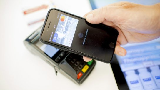 Making a payment by smartphone